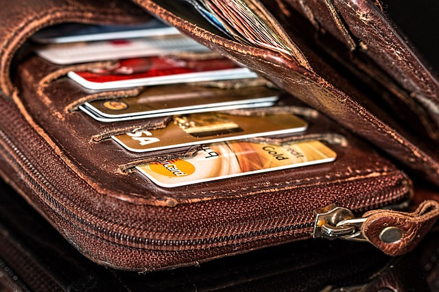 8 Tips to Help Manage Credit Card Debts in Retirement